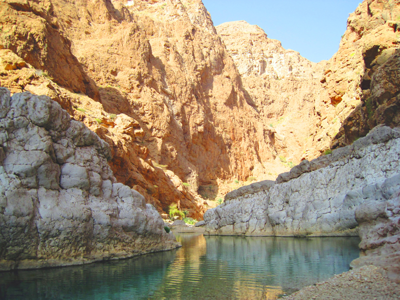 oman-highlight-wadi-shab-schwimmen-ruhe