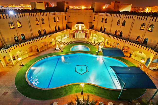 oman-hotel-majan-continental-muscat-poolanlage