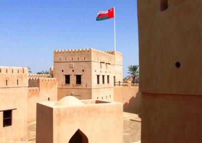 oman-jalaan-bani-bu-hassan-rundreise-fort-innenhof
