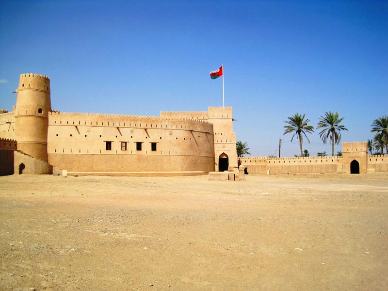 oman-jalaan-bani-bu-hassan-urlaub-fort-mauern