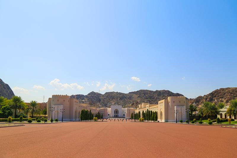 oman-maskat-al-alam-palace-sultanspalast-vorplatz