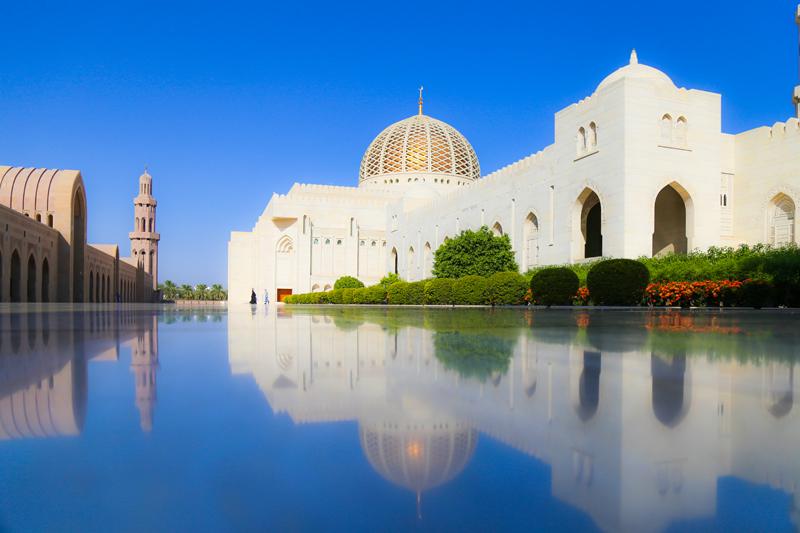 oman-maskat-grosse-sultan-qaboos-moschee-rundfahrt-marmor