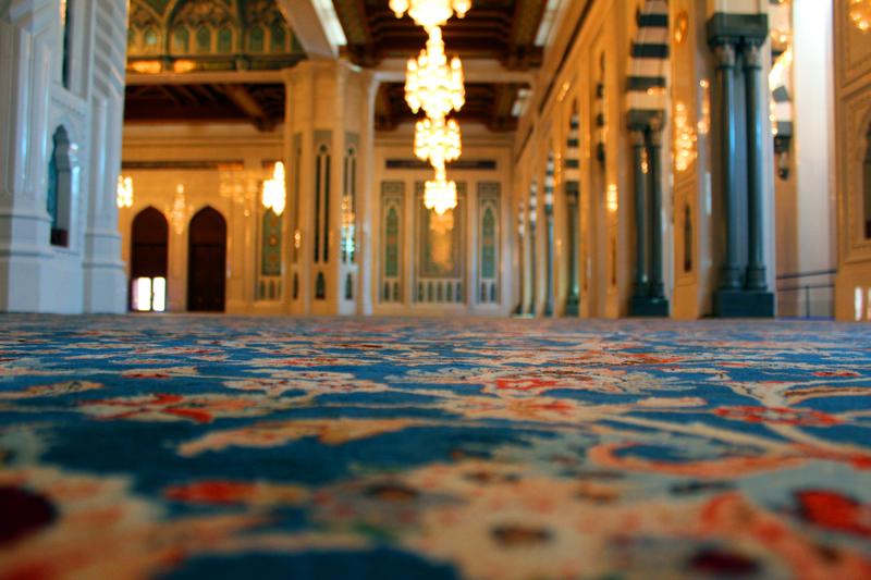 oman-maskat-grosse-sultan-qaboos-moschee-teppich-handgeknuepft