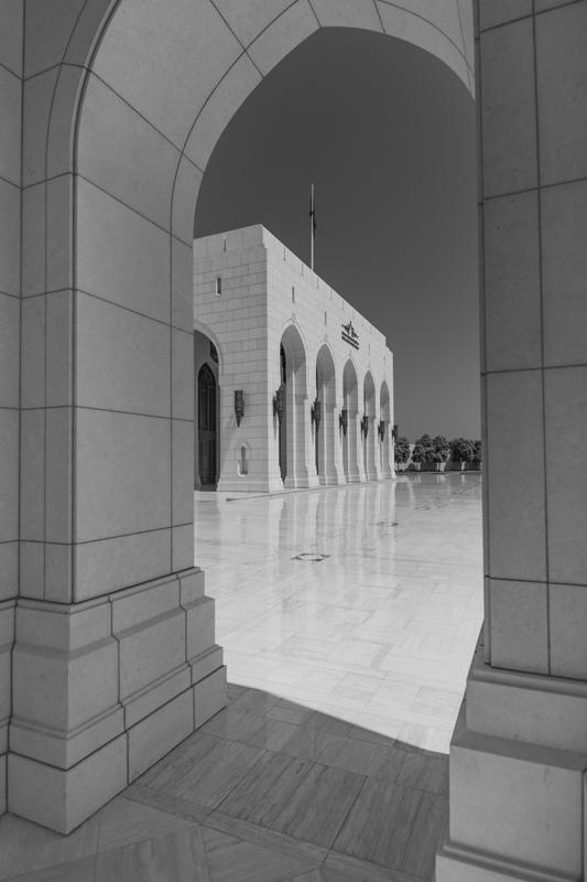 oman-maskat-royal-opera-fotografie-schwarz-weiss