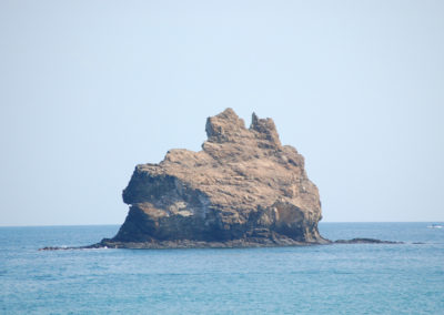 oman-maskat-schwimmen-capital-area-yacht-center-cat-rock