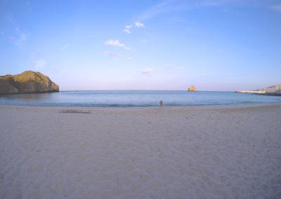 oman-maskat-schwimmen-capital-area-yacht-center-strand