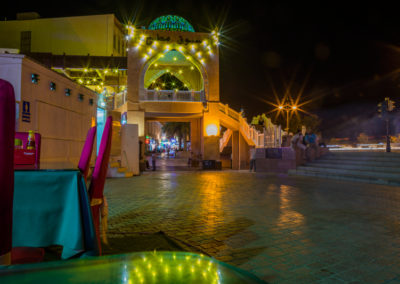 oman-matrah-corniche-strandpromenade-mutrah-souq-eingang