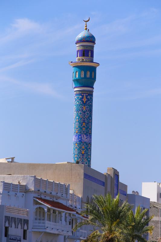 oman-matrah-corniche-strandpromenade-rundreise-moschee