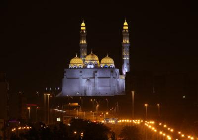 oman-muscat-al-ameen-moschee-beleuchtet