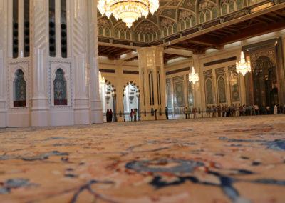 oman-muscat-grosse-sultan-qaboos-moschee-reise-handgeknuepft-teppich