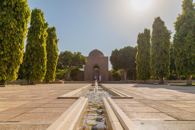 oman-muscat-grosse-sultan-qaboos-moschee-rundreise-falaj