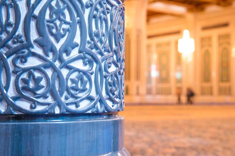 oman-muscat-grosse-sultan-qaboos-moschee-verzierung