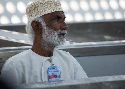 oman-muscat-mutrah-fischmarkt-souq-arbeit-menschen