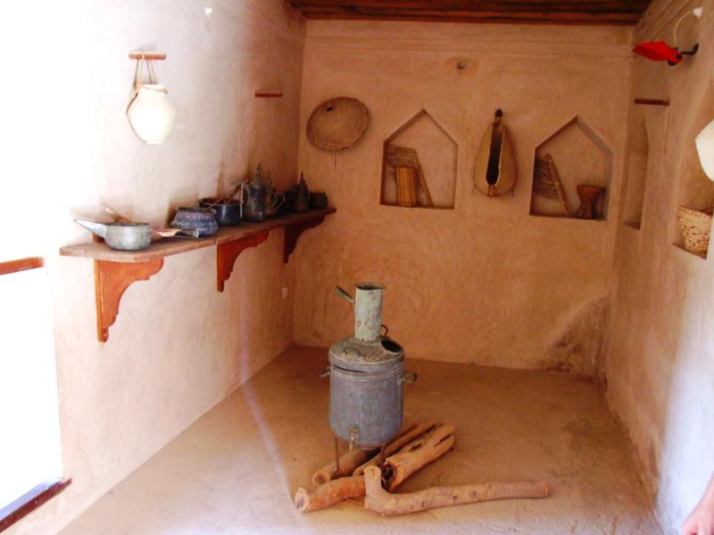 oman-nakhal-fort-burg-reise-kueche