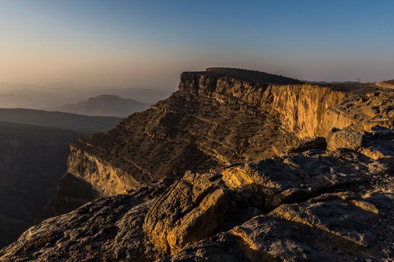 oman-reise-jabal-shams-grand-canyon-felswand