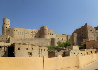 oman-rundreise-bahla-kultur-bahla-fort-aussenansicht