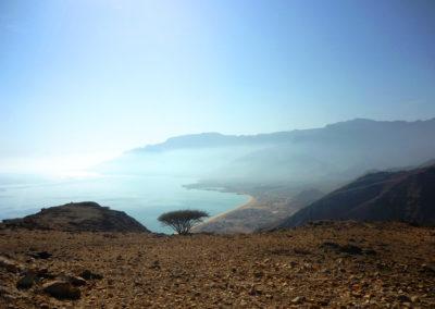 oman-rundreise-strand-as-sifah-beach-bergsicht