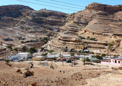 oman-salmah-plateau-offroad-bergdorf-qurran-geologie