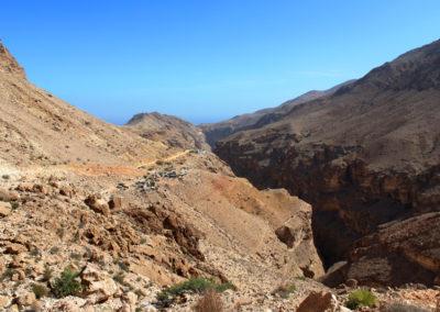oman-salmah-plateau-offroad-berge-siedlung-strasse-rundreise