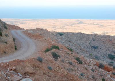 oman-salmah-plateau-offroad-reise-meerblick
