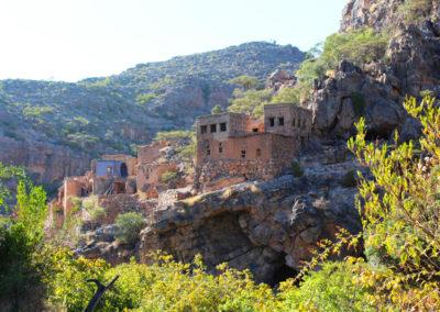 oman-sayq-plateau-ruinen-wadi-bani-habib-bergdorf