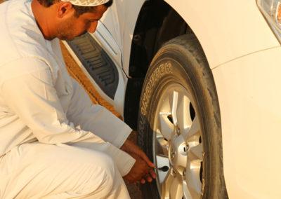 oman-sharqiyah-sands-wueste-offroad-luft-ablassen