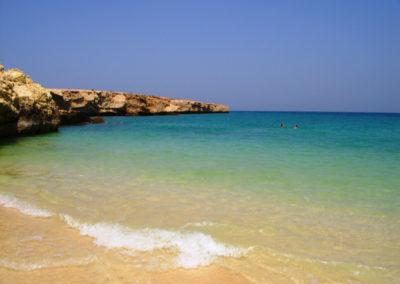 oman-urlaub-fins-beach-schwimmen-meer