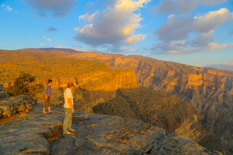 oman-urlaub-jabal-shams-grand-canyon-abgrund