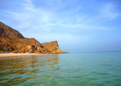 oman-urlaub-strand-as-sifah-beach-klares-wasser