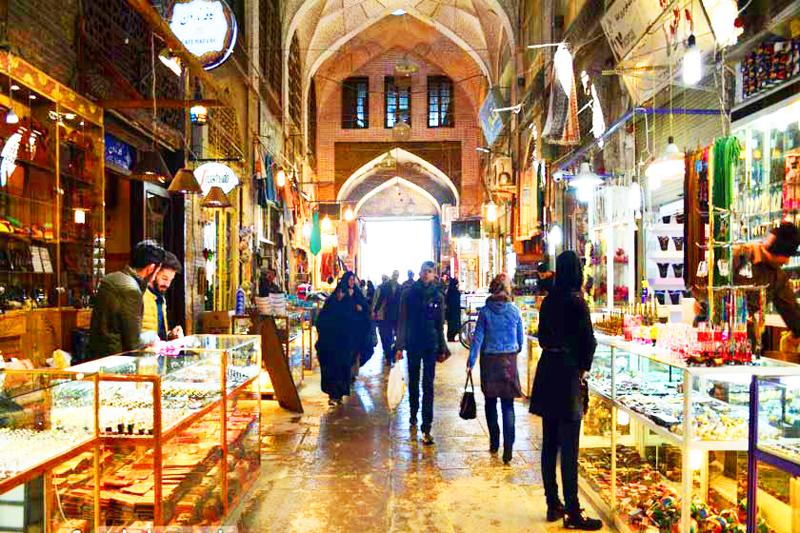 iran-tour-kultur-reise-isfahan-basar-gheysariyeh-tor-markt