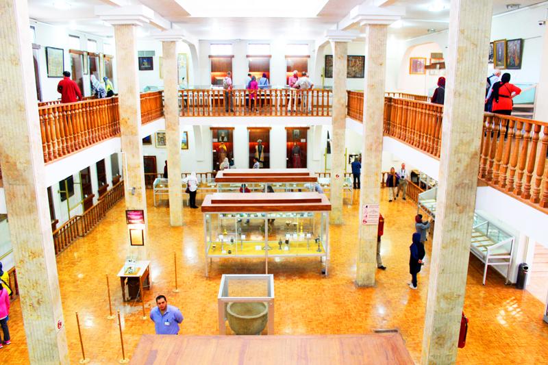 Ferner vermittelt das armenische Museum in Isfahan bei unserer Reise in Iran einen Eindruck in Geschichte und Kultur