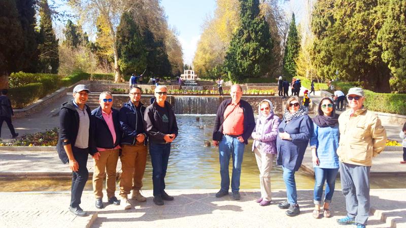Gruppe während einer Rundreise Iran in Shiraz
